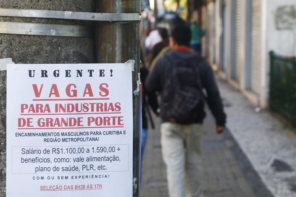 Desemprego é maior do que parece: falta trabalho para 27,7 milhões de pessoas
