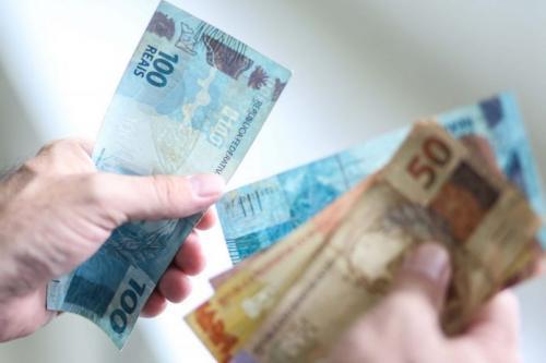 SALÁRIO MÍNIMO REGIONAL DO PARANÁ SERÁ DE ATÉ R$ 1.599,40 EM 2020